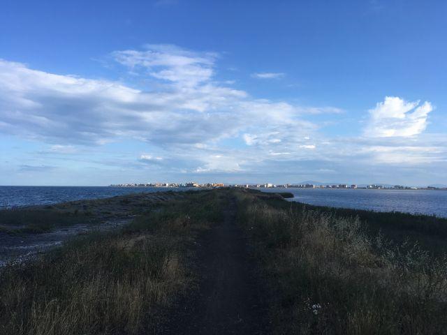 Поморийское озеро справа