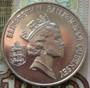 Гернси 10 пенсов 1985г ФАО UNC 120.JPG