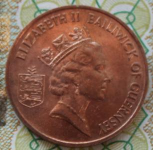 Гернси 1 пенни 1985г ФАО UNC 75.JPG