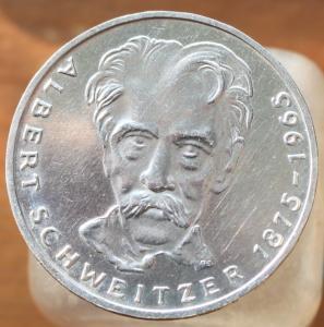 ФРГ 5 марок 1975г. Альберт Швейтцер 1.JPG