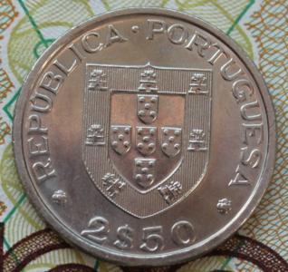 Португалия 2,5 эскудо 1983 1.JPG
