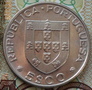 Португалия 5 эскудо 1977г UNC 751.JPG